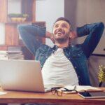 Dann sitzen auch Sie im Schnitt 11 Stunden am Tag. Das lange Sitzen am Bildschirmarbeitsplatz hat nicht nur Auswirkung auf die Körperhaltung, sondern auf unseren gesamten Organismus. Was Sie 2018 ohne Anstrengung im Büro für Ihre Gesundheit tun können, hat unser Autor Wolfgang Speer in seinem Blogbeitrag mit fünf einfachen Ideen zusammengefasst: