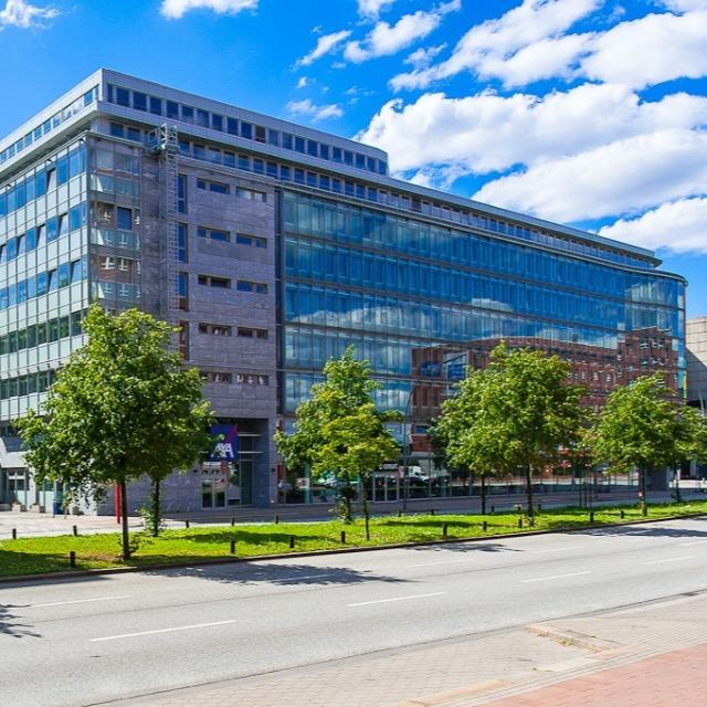21 Ansicht Heidenkampsweg Axa Eingang