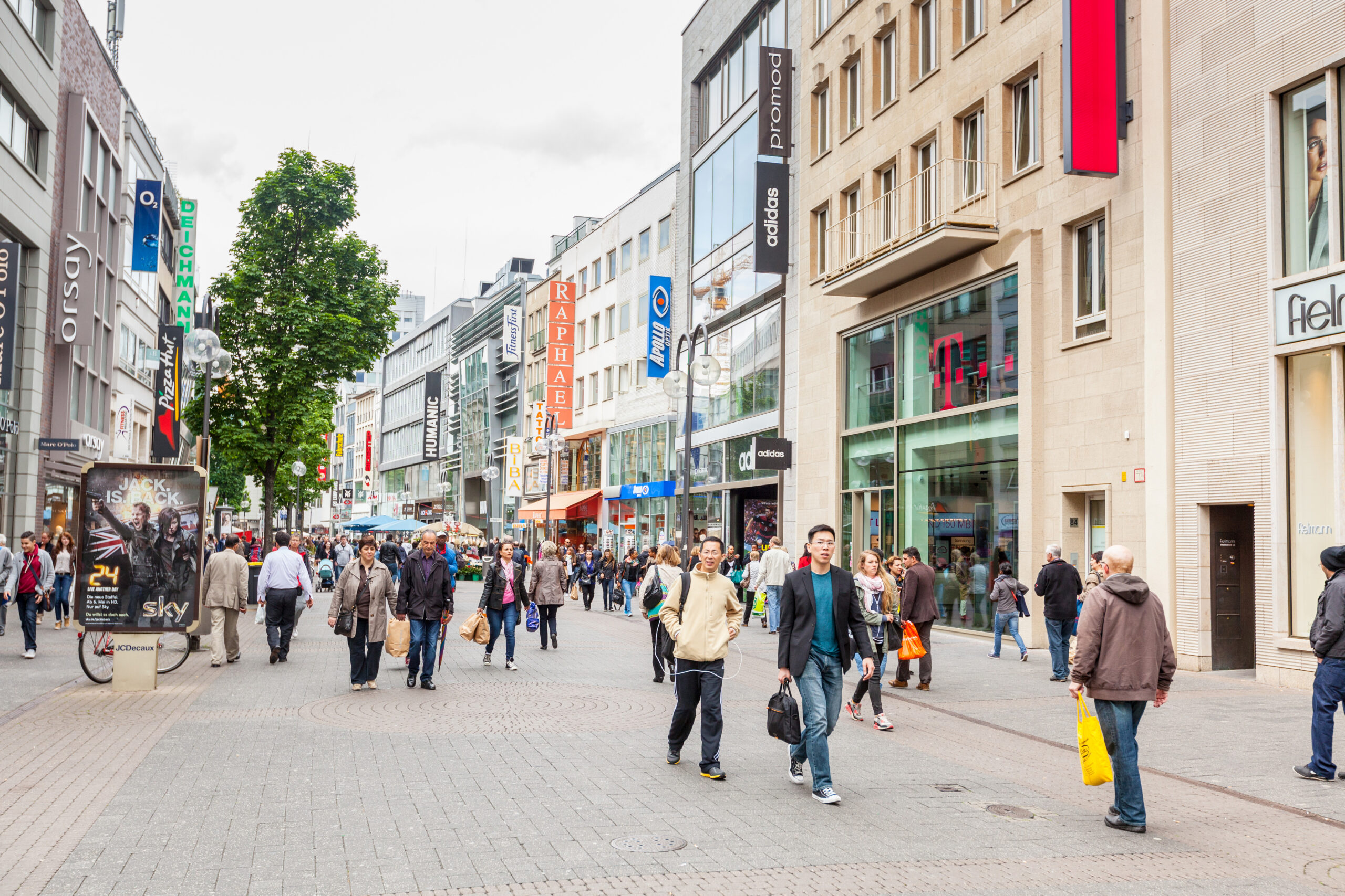 Crowded Shopping Street In Cologne